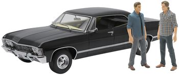 Model Car - 1967 Chevrolet Impala Sport Sedan - med Sam og Dean Figurer