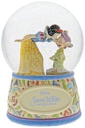 Snow White and Dopey - Snow Globe